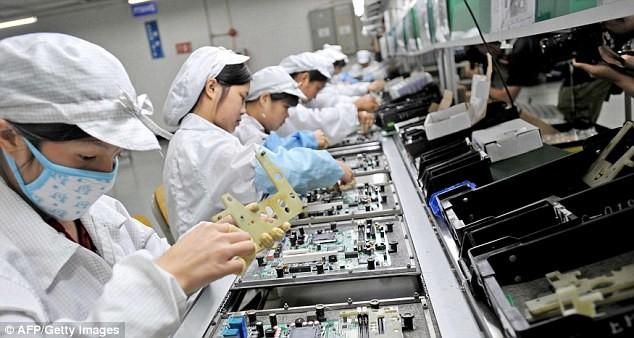 Chinezii au clonat iPhone 6 şi îl vând cu 80% mai ieftin